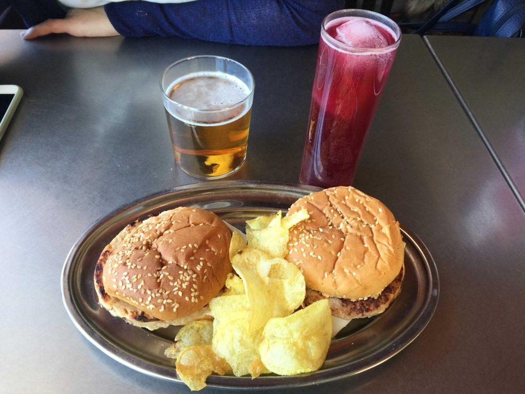 "Hamburguesas en Bar Restaurante ""A KAL MAÑO II"""