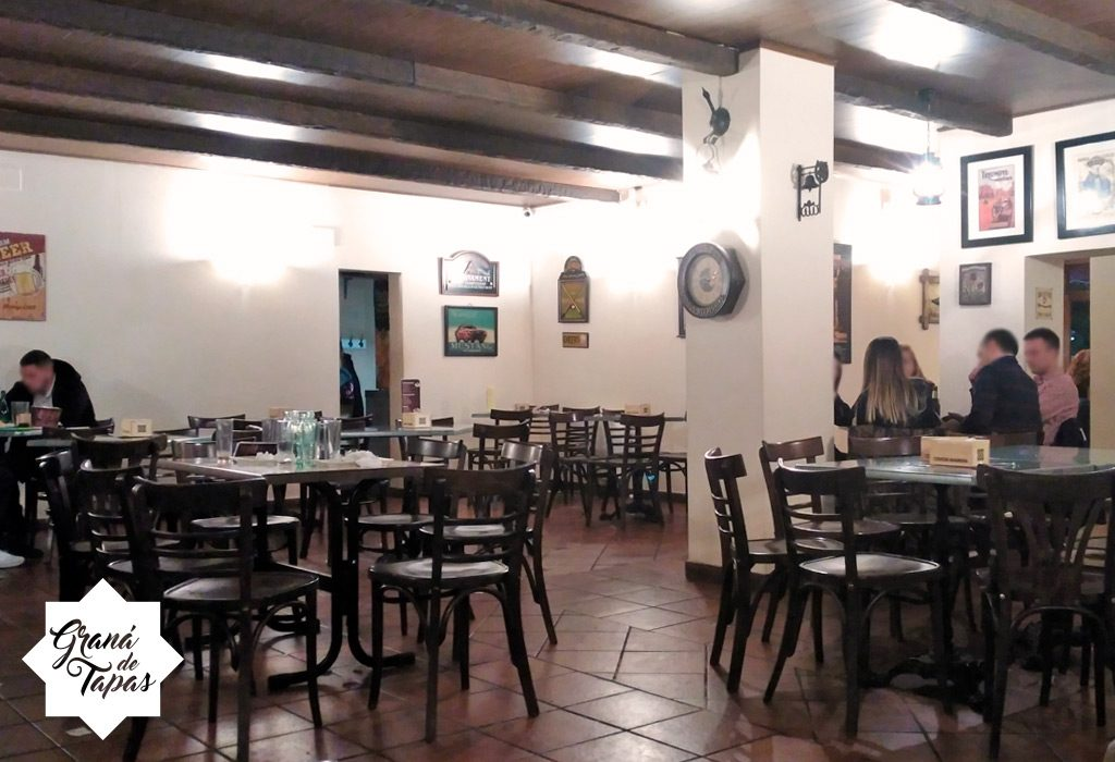 Salon interior en Bar La Bodeguita