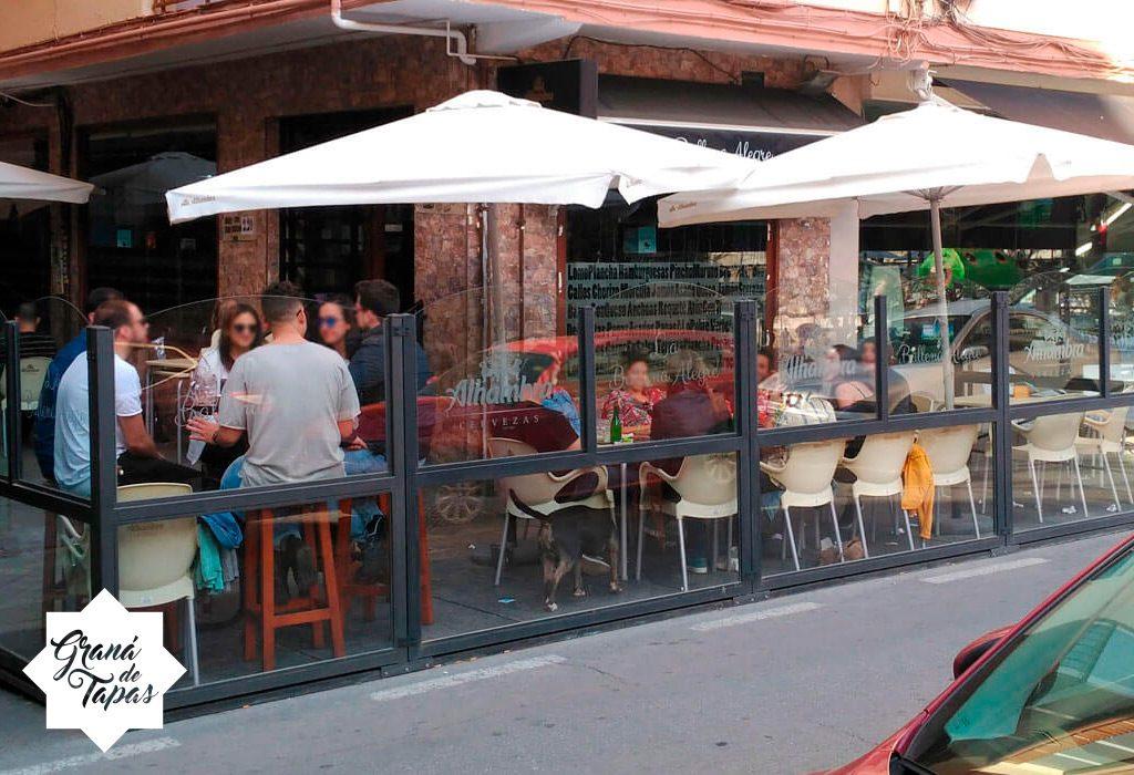 Terraza del Bar La Ballena Alegre