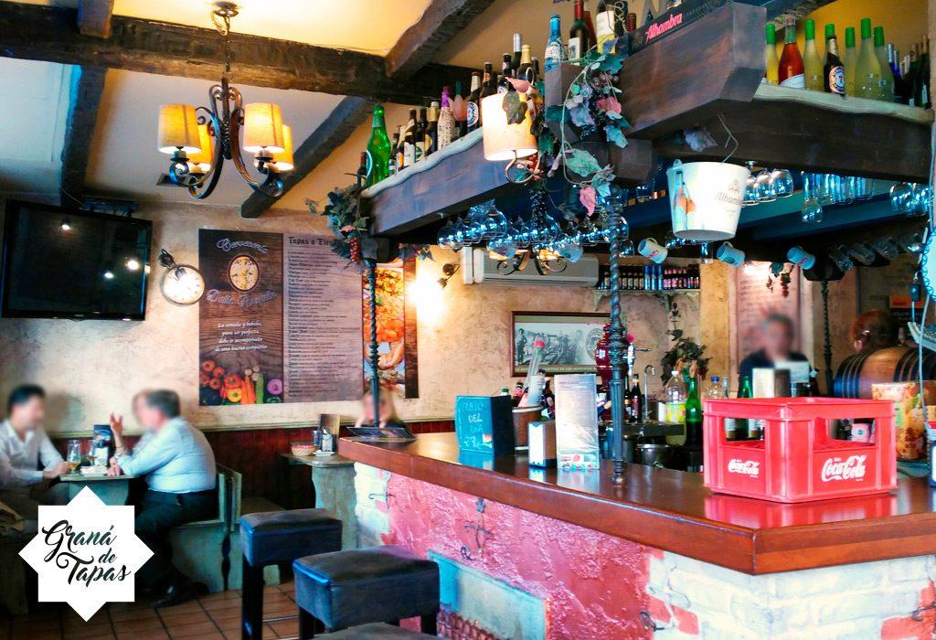 Interior de Cervecería Doña Rosquita